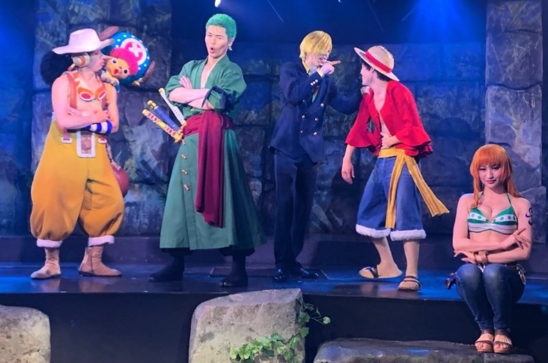 People cosplayed as characters of One Piece