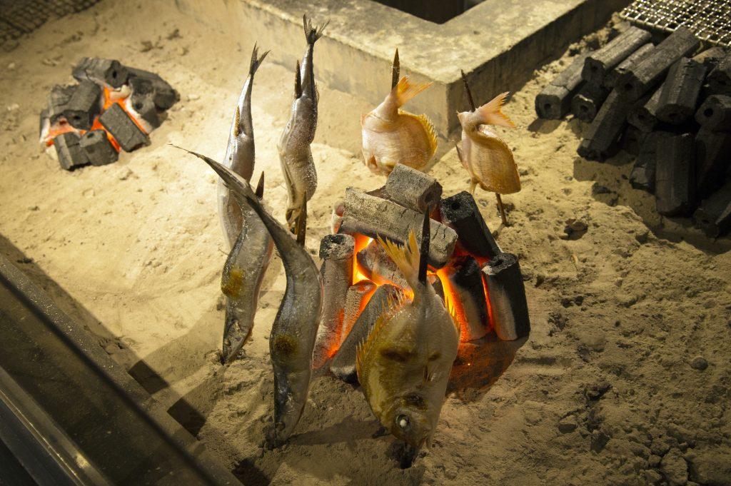 Robata-yaki iori charcoal grill